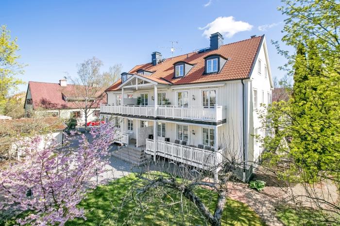 Exteriör. Bostadsfoto. Västerås.